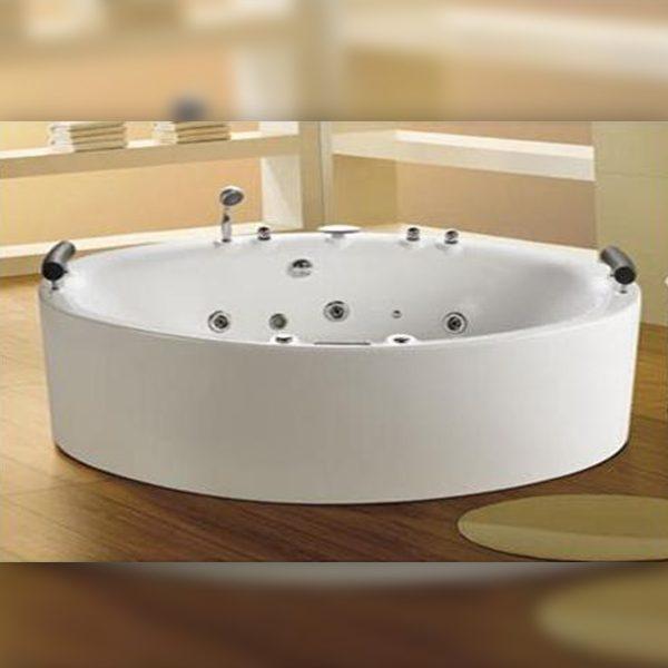 Aquarius Hydro Jacuzzi Freestanding Bath