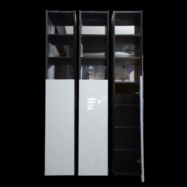 5106 Side Cabinet And Mirror