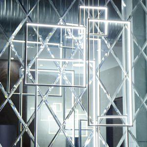 7806---Vertical-Frame